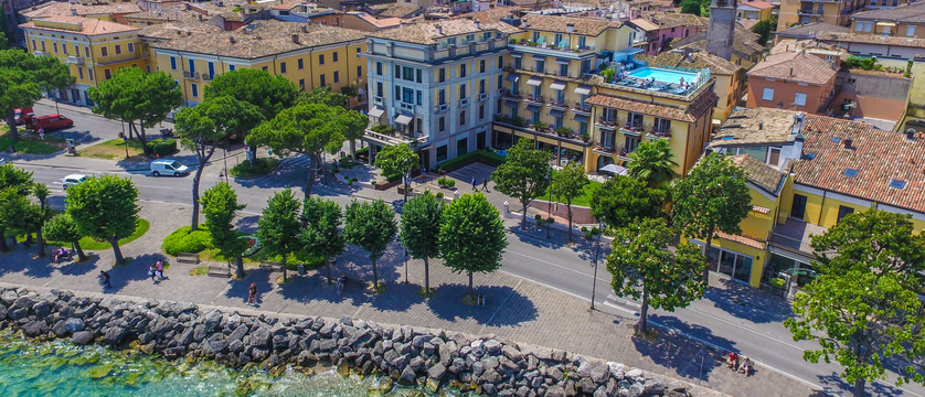 Hotel Park, Desenzano, Lake Garda, Italy - aerial view of the hotel.jpg